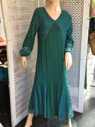 Stunning 1920s dress in a wonderful teal