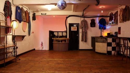 paper-dress venue panorama 003 33815136900 o